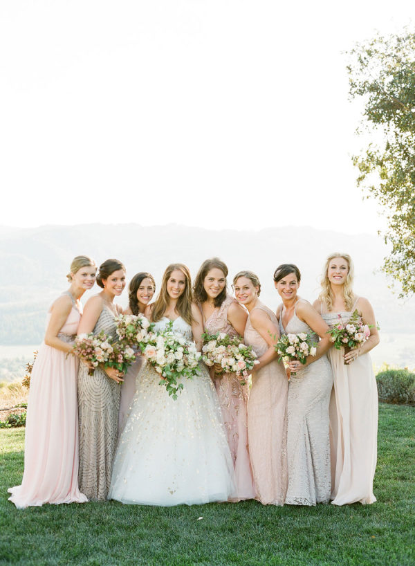 10 Tips To Pulling Off Mismatched Maids Without Looking Like A Hot Mess