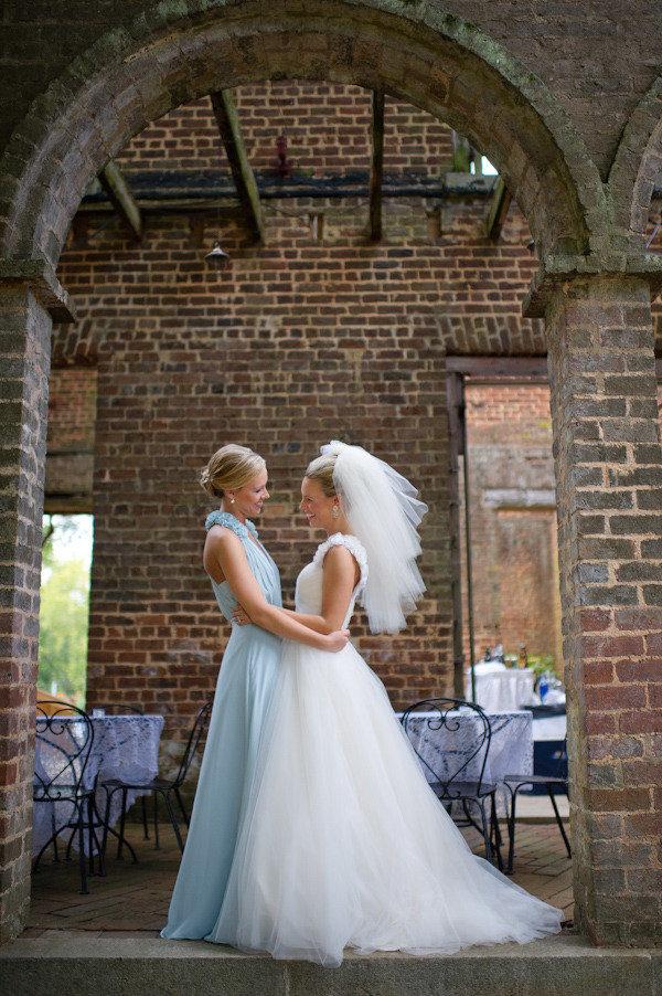 Свидетель отодрал невесту на свадьбе 3 фотография